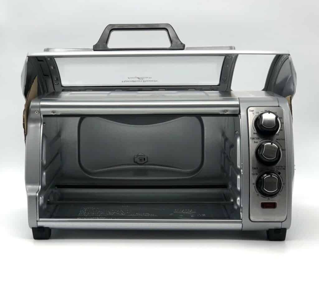 Hamilton Beach Easy Reach 6 Slice Toaster Oven opened